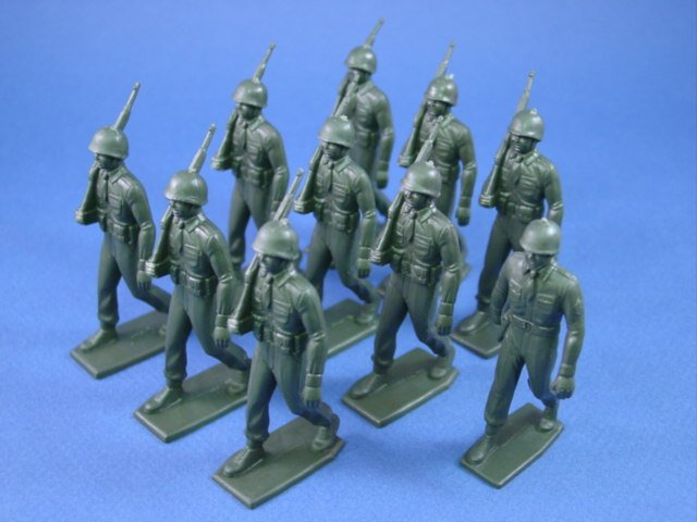 Marx 60mm Training Camp Playset Marching US GI Set 10 Soft Plastic OD Figures