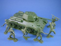 Thumbnail of Marx 54mm Battleground Europe Playset WWII Russians in Green with CTS T-34 Tank