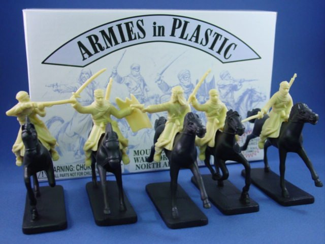 Armies in Plastic 54mm Mounted Arab Warriors 5 Figures with Horses in Cream