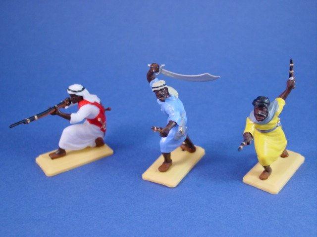 Britains Deetail DSG Toy Soldiers Arab Warriors in Colored Tunics