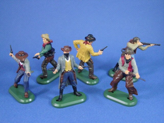 Britains Super Deetail Plastics Cowboys and Outlaws on metal base. Complete 6 piece set.