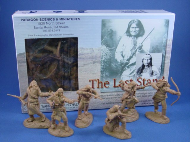 Paragon Toy Soldiers 54mm Apache Indians on foot. New 12 piece boxed set. Outstanding sculpting and detail.