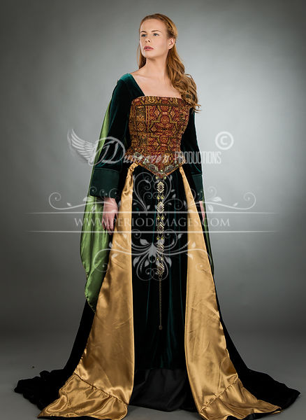 Image 0 of Noblewoman Medieval Dress