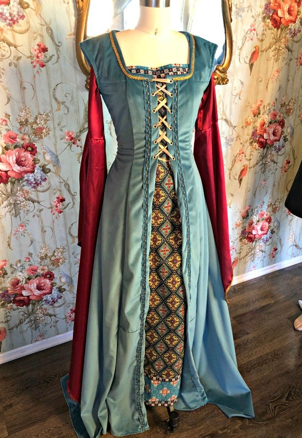Image 0 of Medieval Dress #4