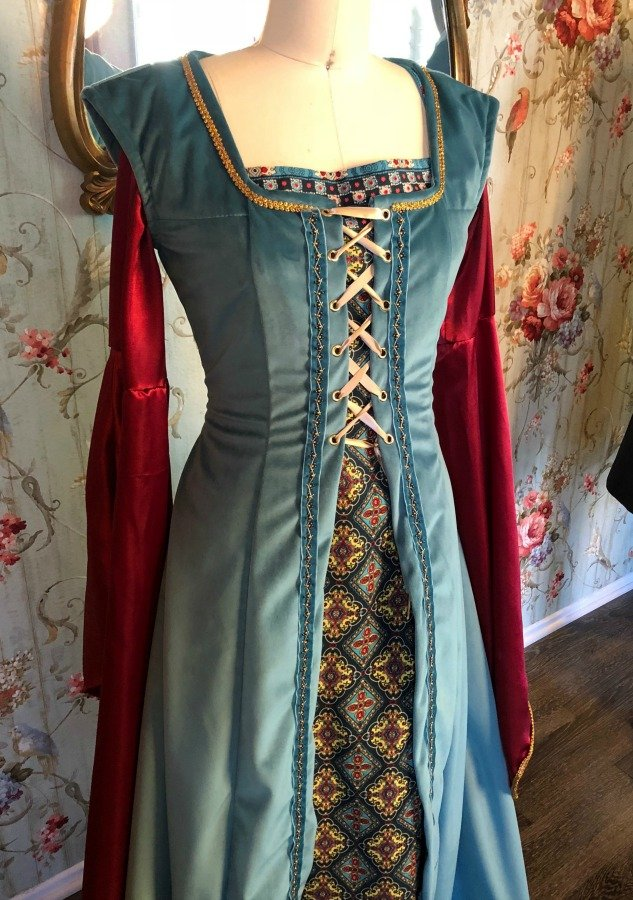 Image 2 of Medieval Dress #4