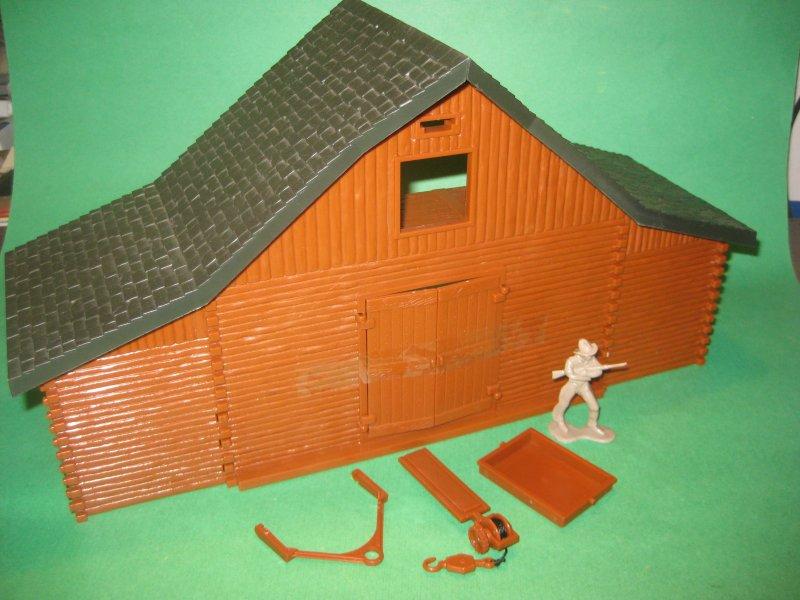 New Ray Western Hard Plastic Western Open Back Barn