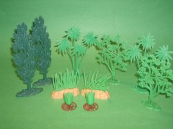 Diorama 10 Piece Plastic Trees Set