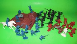 BMC American Revolution Artillery Redoubt And Soldiers Set