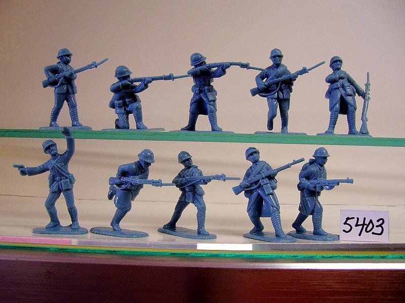 Armies In Plastic WWI French Army in Horizon Blue Uniforms with Adrian  Helmets 5