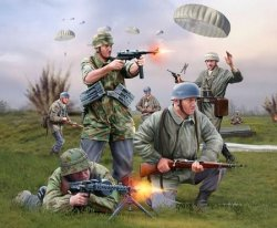 Revell 1/72nd Scale WWII German Paratroopers Plastic Soldiers Set
