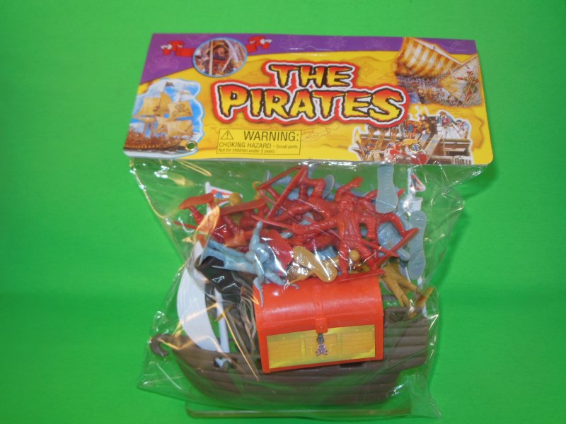 Image 1 of Hing Fat Deluxe Pirates And Accessories Plastic Figures Set