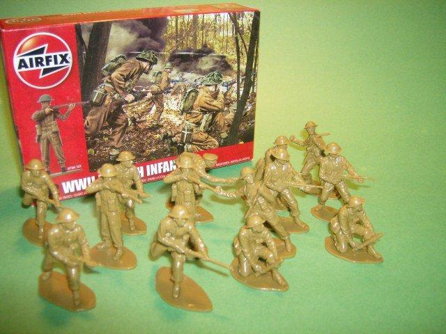 1/32nd Scale airfix World War II British Infantry Plastic Soldiers Set