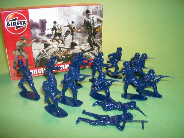 Image 0 of  1/32nd Scale Airfix World War II German Infantry Plastic Soldiers Set