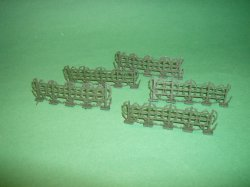 Set Of 5 Green Plastic Barbed Wire Fences