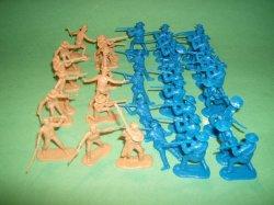 Alamo BMC Plastic Figures Set