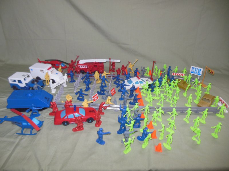 Image 0 of TSD City Of The Zombie Apocalypse Limited Edition Playset