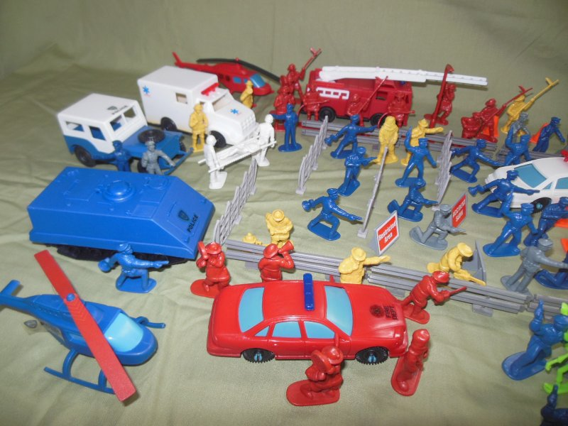 Image 1 of TSD City Of The Zombie Apocalypse Limited Edition Playset