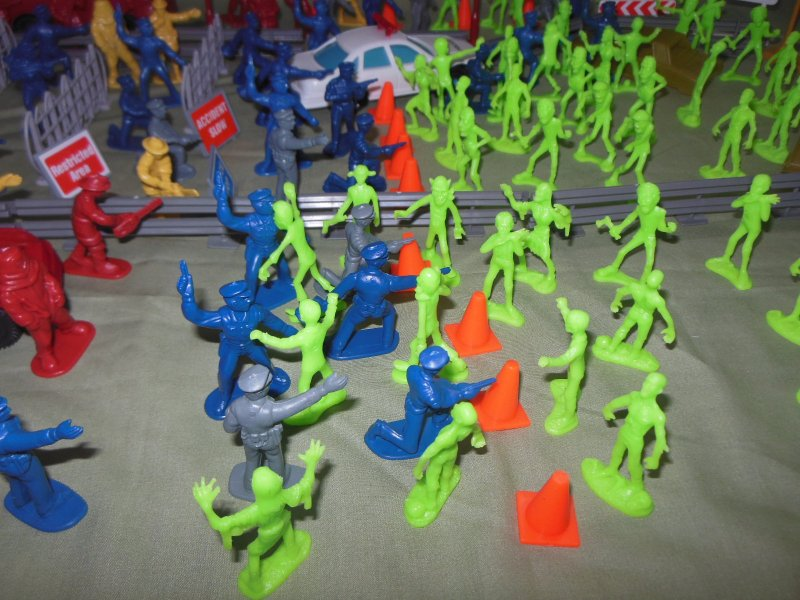 Image 3 of TSD City Of The Zombie Apocalypse Limited Edition Playset