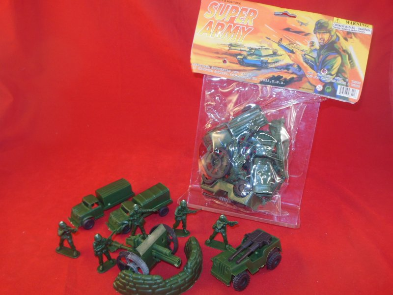 Image 0 of Super Army Plastic Armymen Bagged Set With Cannon, Trucks, Jeep, Soldiers NEW!
