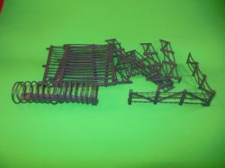 Classic Toy Soldiers Battlefield Concertina & Barbed Wire Fences Set 708