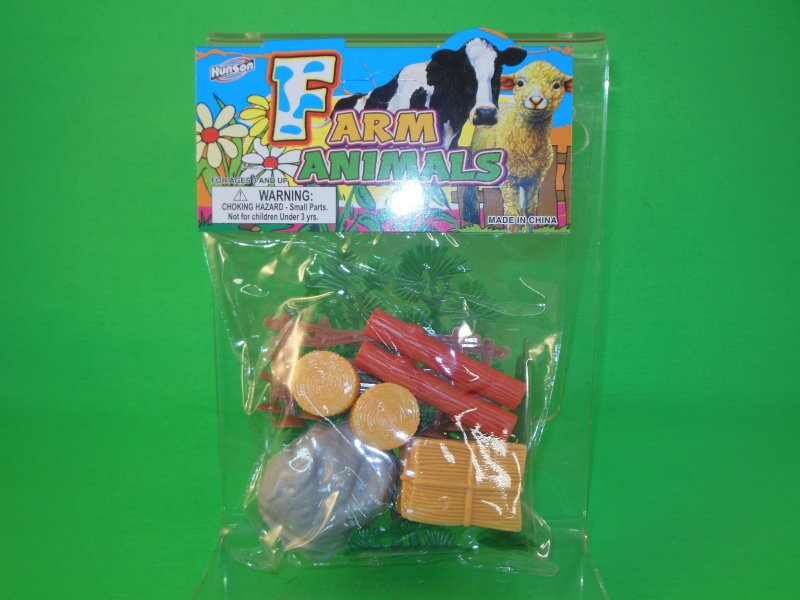 Image 0 of Farm Fences And Accessories Plastic Diorama Set 39782