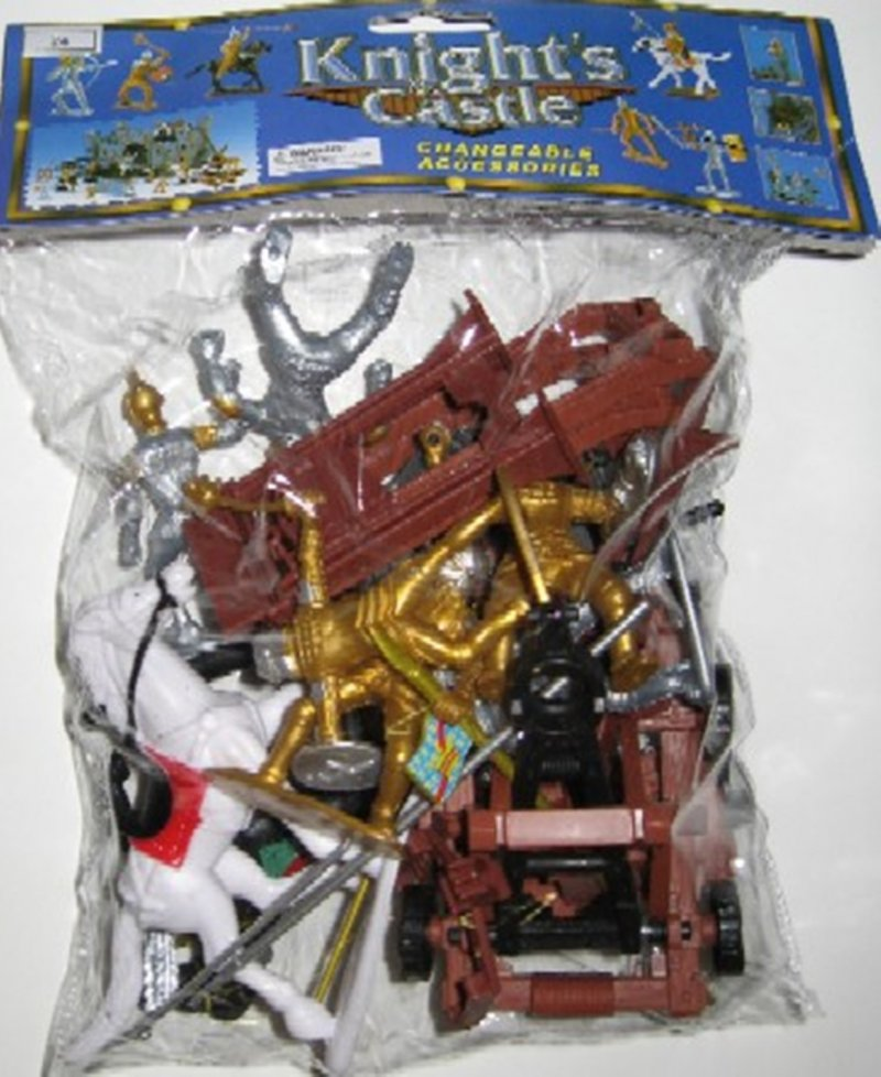 Image 0 of Medieval Knights And Armor Plastic Figures Set 24