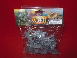 World War II 1/32nd Scale Plastic German Infantry Soldiers Set PYS-46