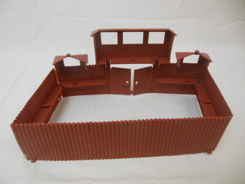 Image 2 of MPC Recast Snap Together Plastic Western Playsets Wood Stockade FORT