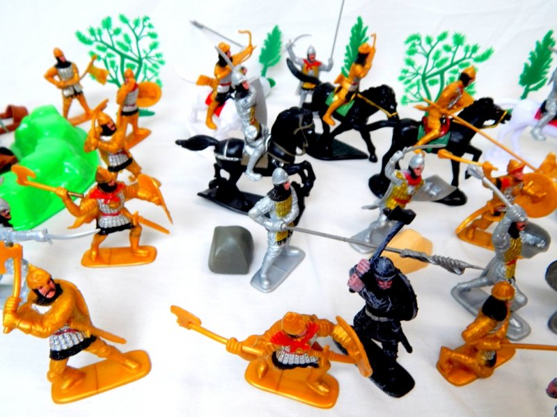 Image 2 of TSD Medieval Barbarian Invasion Limited Edition Playset