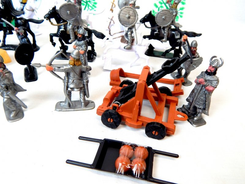 Image 4 of TSD Medieval Barbarian Invasion Limited Edition Playset