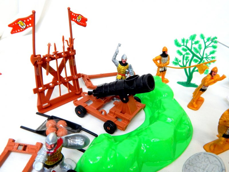 Image 5 of TSD Medieval Barbarian Invasion Limited Edition Playset