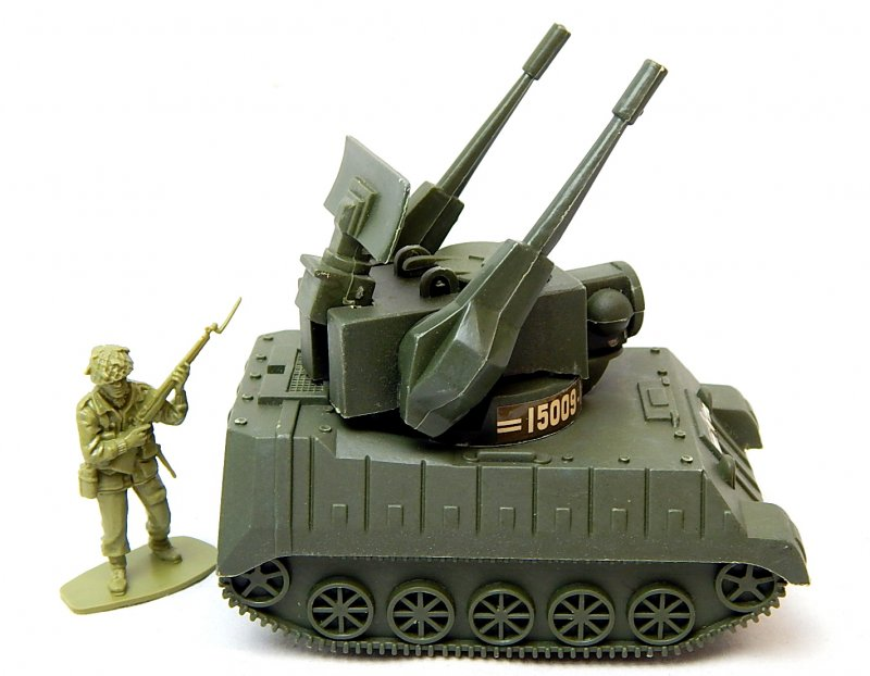Image 2 of U.S. Army Modern M247 Type Anti Aircraft Missile Plastic Tank