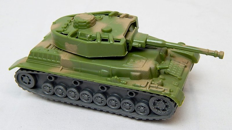 Image 0 of German WWII Panzer IV Style Green Camo Armor Turret Plastic Tank