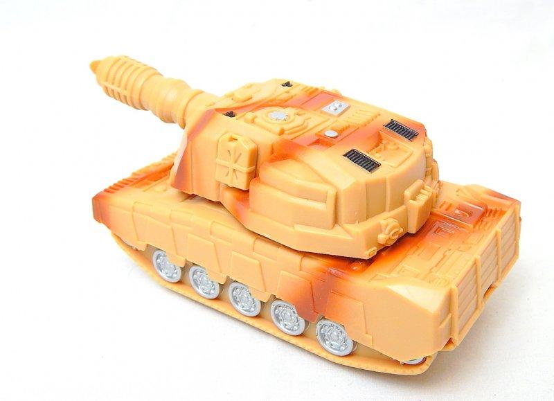 Image 1 of U.S. Army 155mm Self Propelled Gun Transforming Plastic Tank
