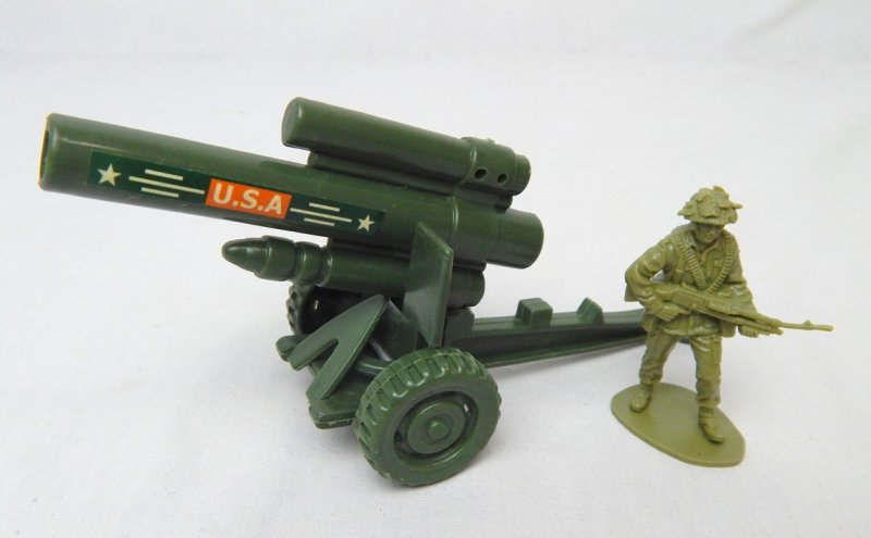 Image 0 of US Army 155mm Howitzer Style Plastic Heavy Artillery Cannon