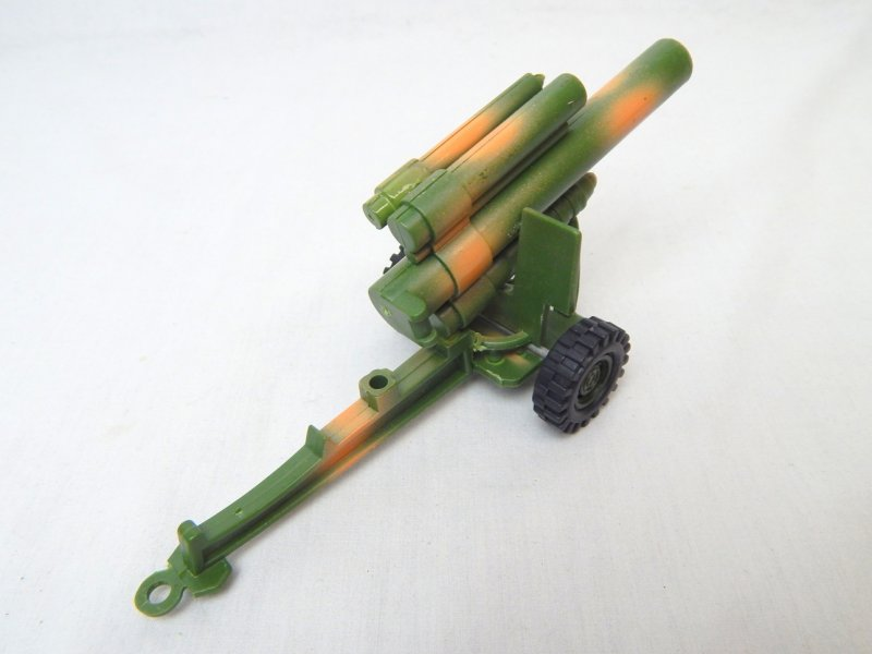 Image 2 of US Army 155mm Style Howitzer Camo Hard Plastic Cannon