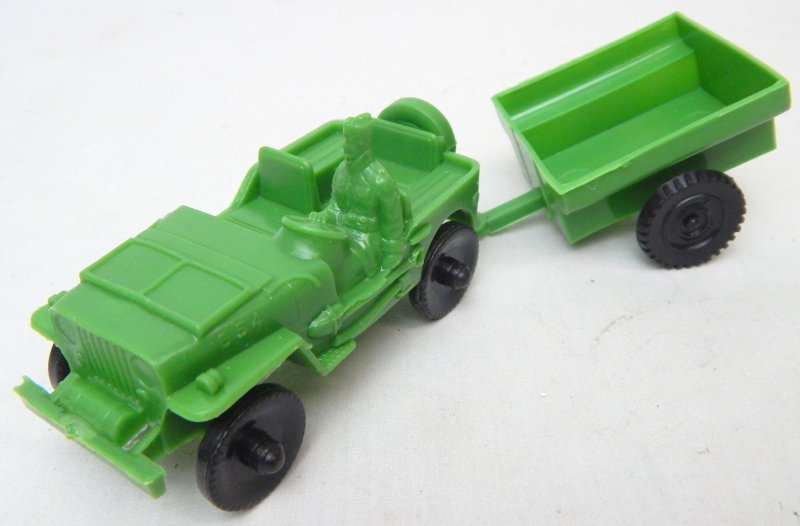 Image 0 of LIDO Style Green Plastic Army Jeep And Trailer