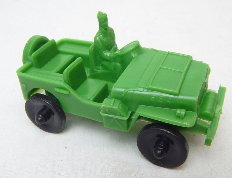 Image 1 of LIDO Style Green Plastic Army Jeep And Trailer