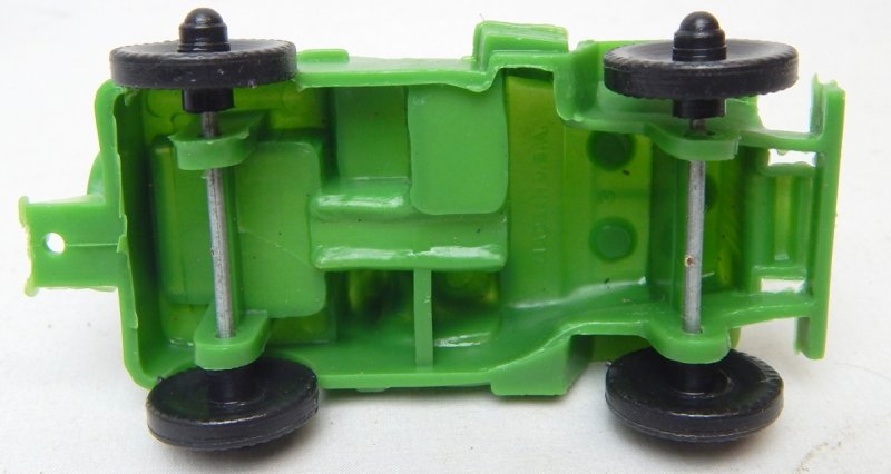 Image 2 of LIDO Style Green Plastic Army Jeep And Trailer