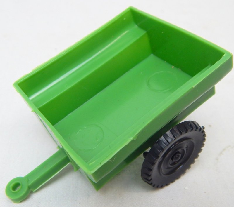 Image 3 of LIDO Style Green Plastic Army Jeep And Trailer