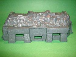 Marx Recast Hard Plastic Pillbox And Bombed House Front