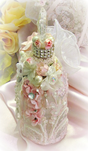 Image 4 of Regency Elegance Pink Beaded Apothecary Potion Bottle