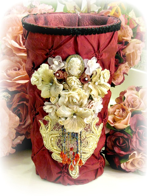 Image 0 of Regency Elegance Flower Vase