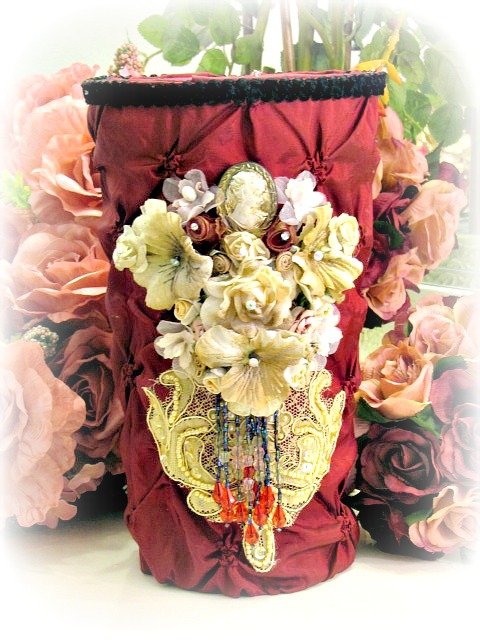 Image 3 of Regency Elegance Flower Vase