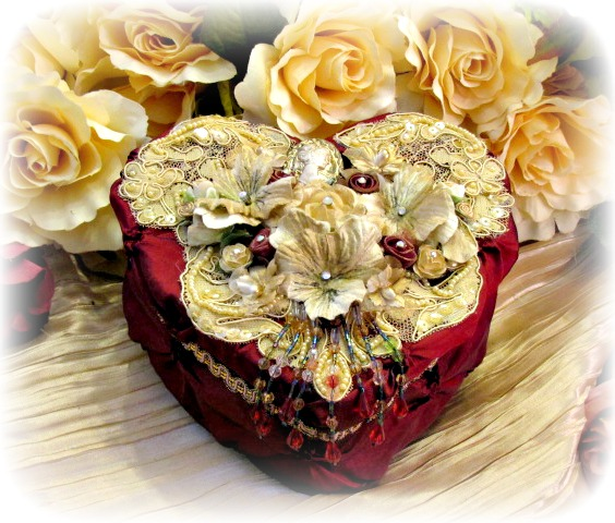 Image 0 of Regency Elegance Heart Box