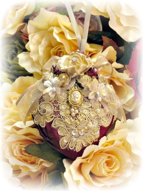 Image 2 of Regency Elegance Ornaments Set of 4 pcs.