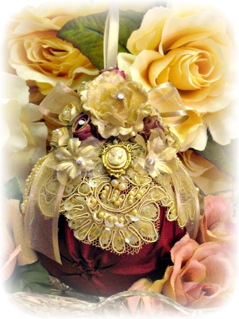 Image 3 of Regency Elegance Ornaments Set of 4 pcs.