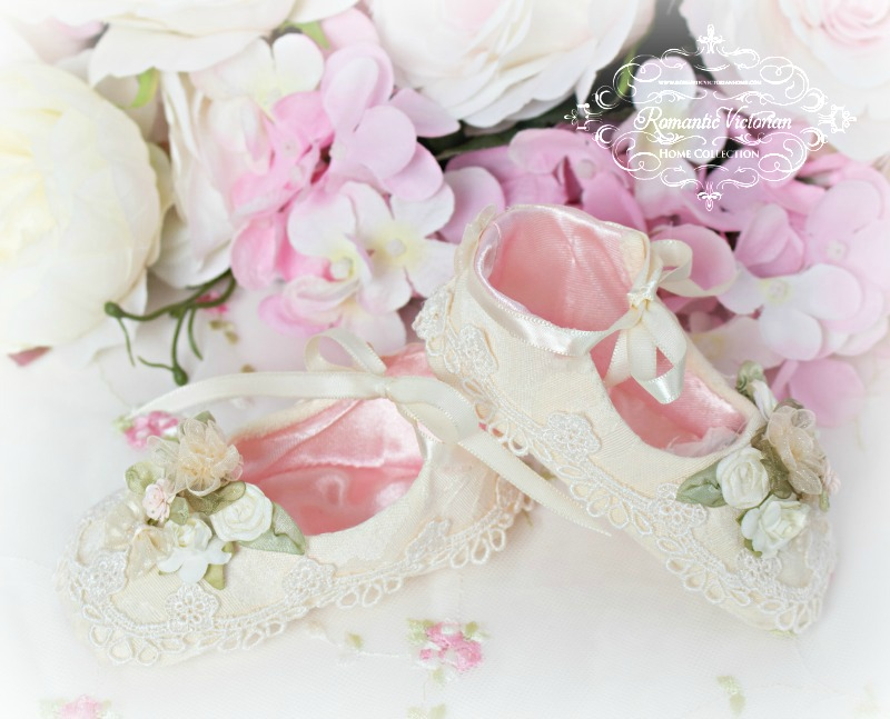 Image 1 of Ivory Damask Baby Shoes