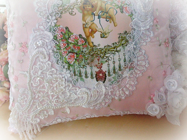 Image 18 of Crystal Roses Pillows