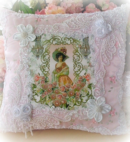 Image 23 of Crystal Roses Pillows
